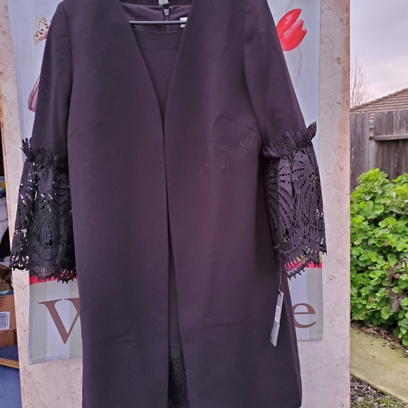 Tahari Dresses & Skirts - Tahari Sheath Dress with Matching Lace Long Cover